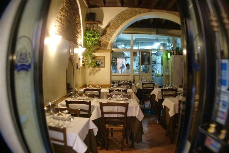 the best osterie in rome: osteria le mani in pasta