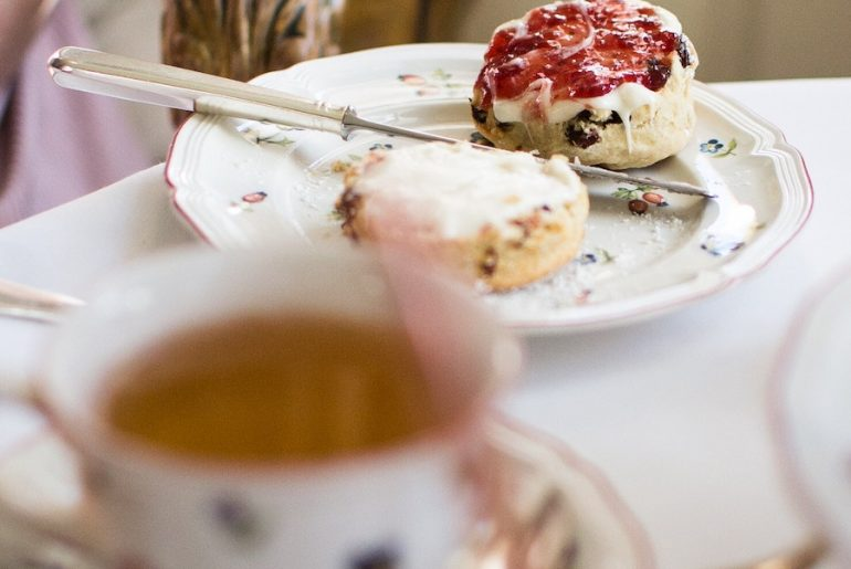 Where to have English afternoon tea in London