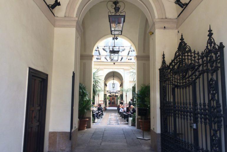 Restaurants near Quadrilatero della Moda, Milan