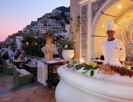 the best bars in Positano: Champagne and Oyster Bar