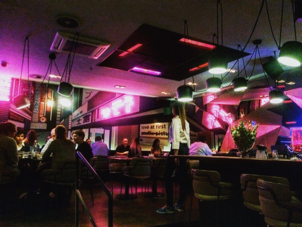 Restaurants in Budapest near chain bridge