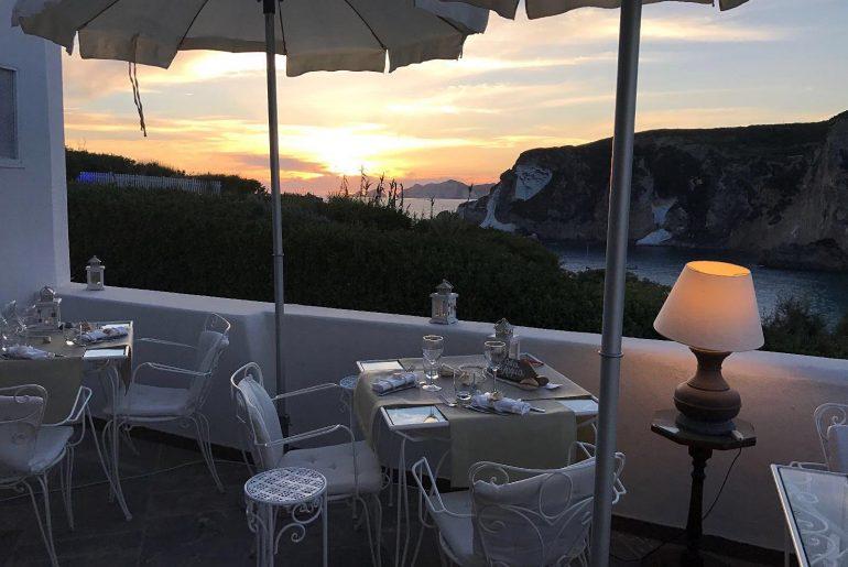 best romantic dinner restaurants in ponza island