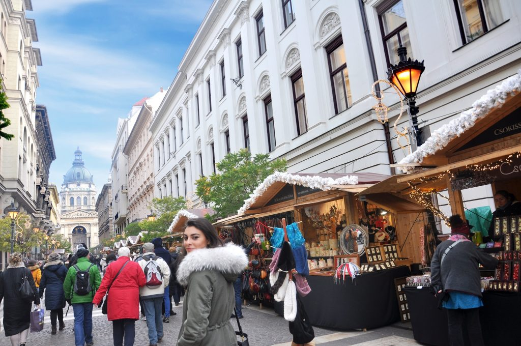 christmas markets in budapest