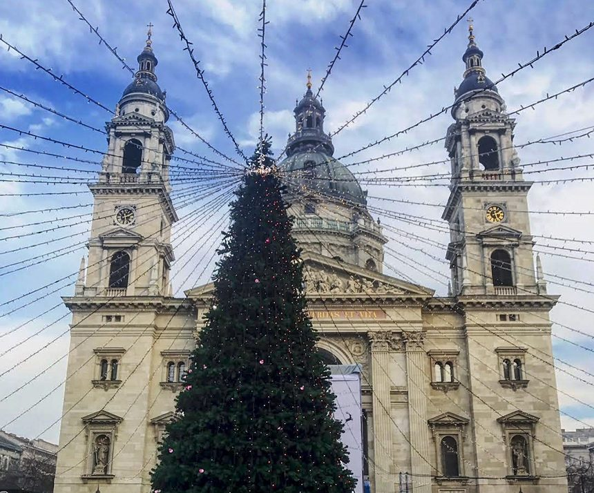 saint stephens basilica in winter