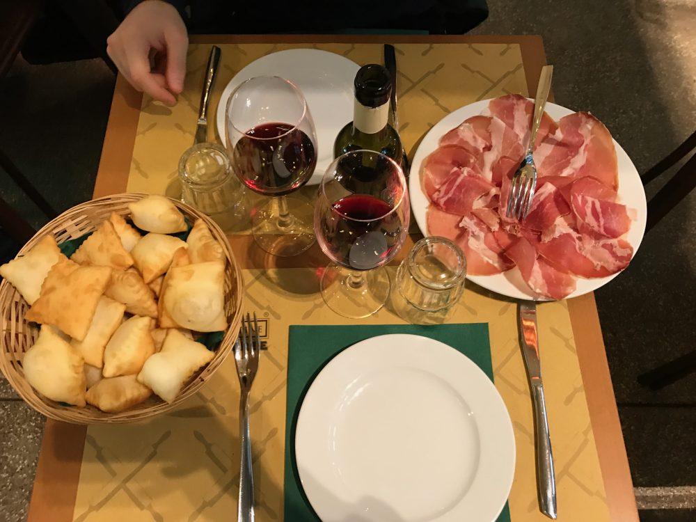 Where to eat in Bologna: Polpette e Crescentine
