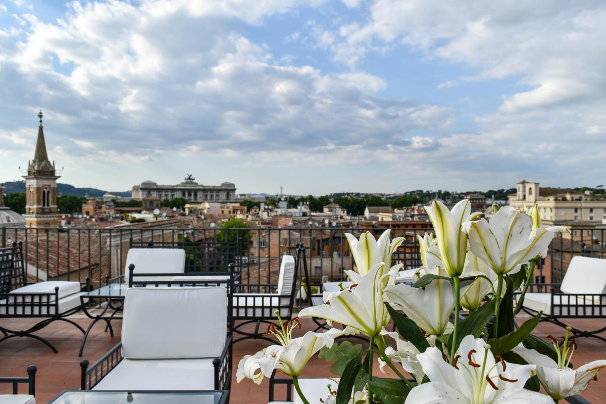 rooftop aperitivo in rome