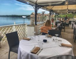 where to eat on the lake near Rome