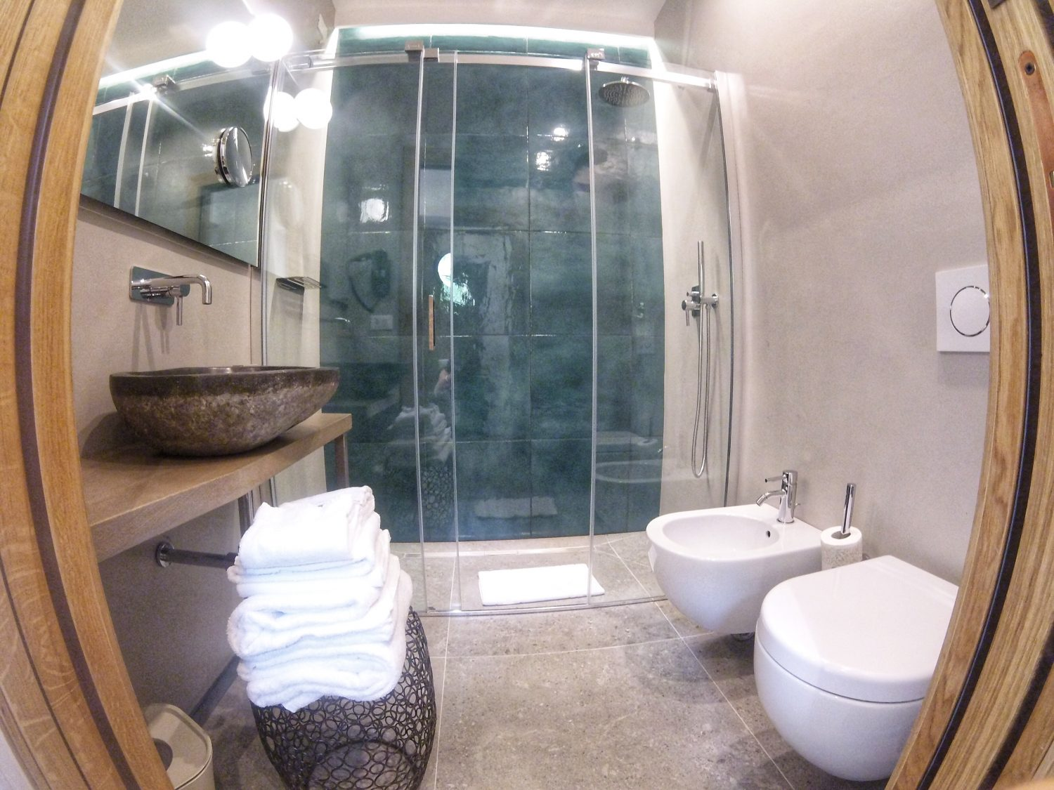 Colonna 24 luxury bed and breakfast bathroom