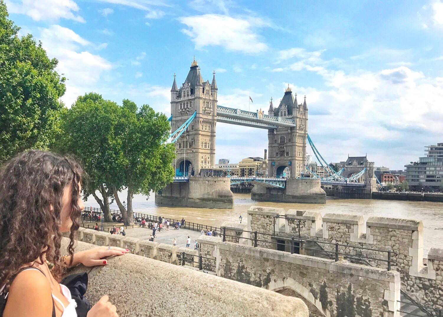 Watch The ultimate luxury guide to London video
