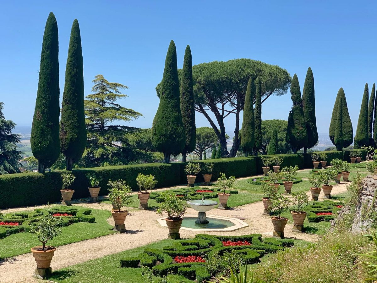 Day trip to Castel Gandolfo and the Papal Palace and Gardens